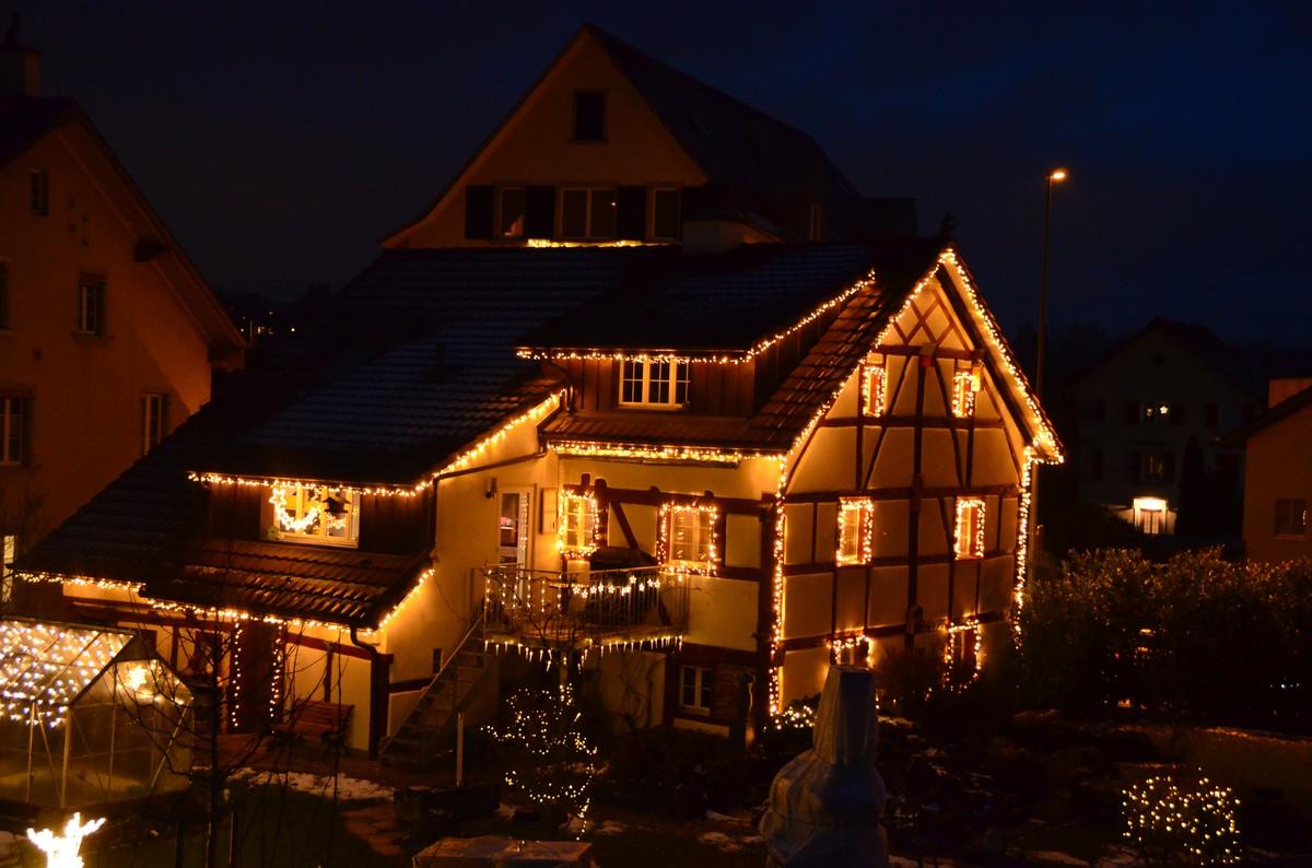 Haus Weihnachtsbeleuchtung.Haus Im Langwiesen Bei Schaffhausen Frutiger Display Ag